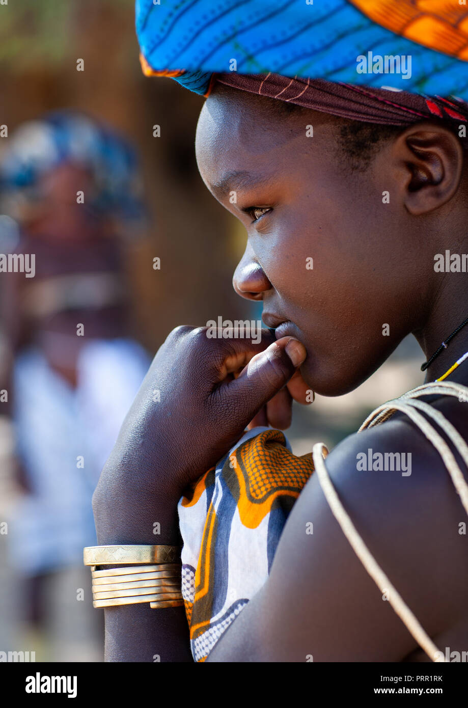 Portrait of a Mucubal tribe young woman, Namibe Province, Virei, Angola Stock Photo