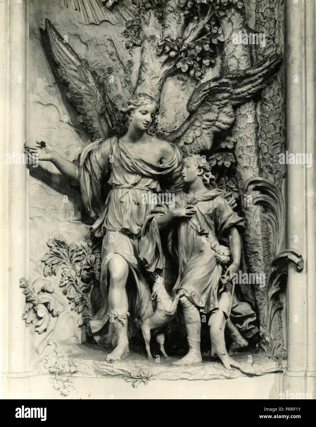 Tobiolo and Raphael Archangel, marble by Baratta, Italy 1930s - Stock Image