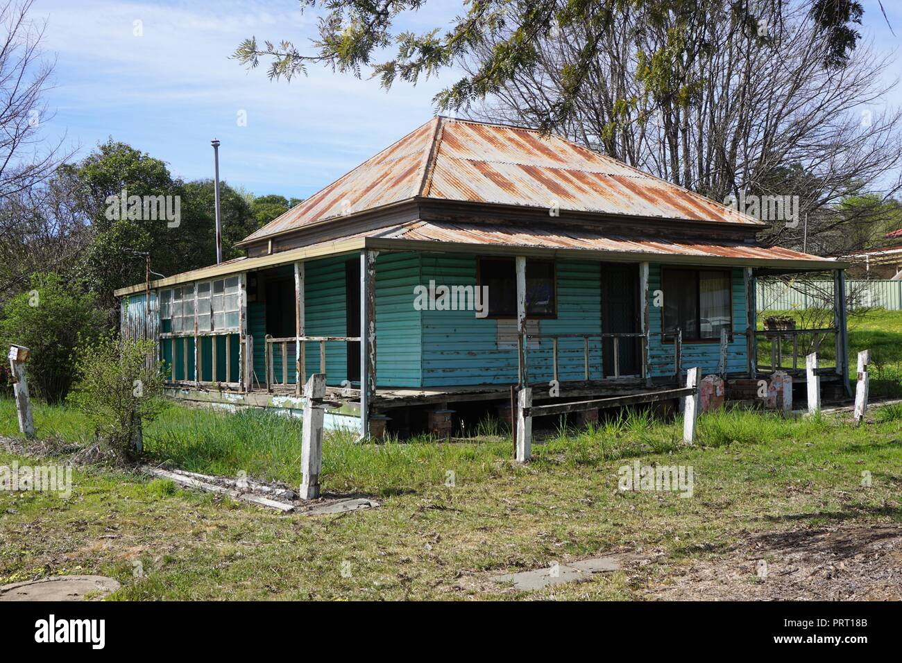 Rickety House in Tumut,Country NSW - Stock Image