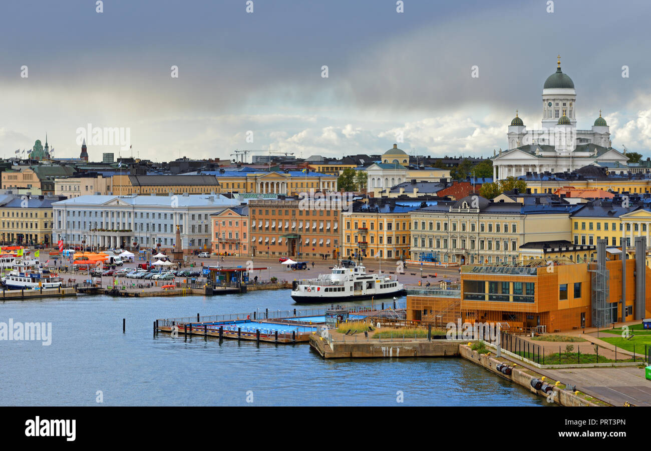 Evangelical Lutheran cathedral of Diocese of Helsinki, Market Square (Kauppatori), Allas Sea Pool in September - Stock Image
