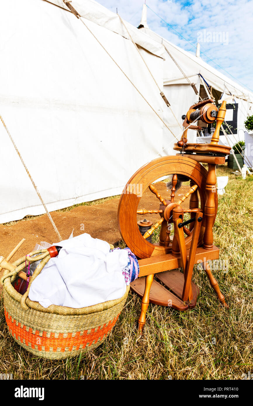 Spinning wheel, spinning wool, wool spinner, wool spinning machine, spinning wheel, Spinning wheels, wooden Spinning wheel, antique Spinning wheel - Stock Image