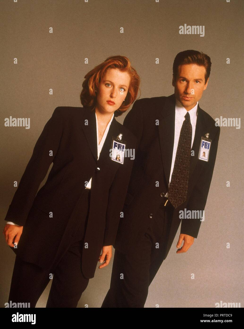 Original film title: THE X FILES. English title: THE X FILES. Year: 1993. Director: CHRIS CARTER; ROB BOWMAN; DAVID NUTTER. Stars: DAVID DUCHOVNY; GILLIAN ANDERSON. Credit: FOX FILMS / Album - Stock Image