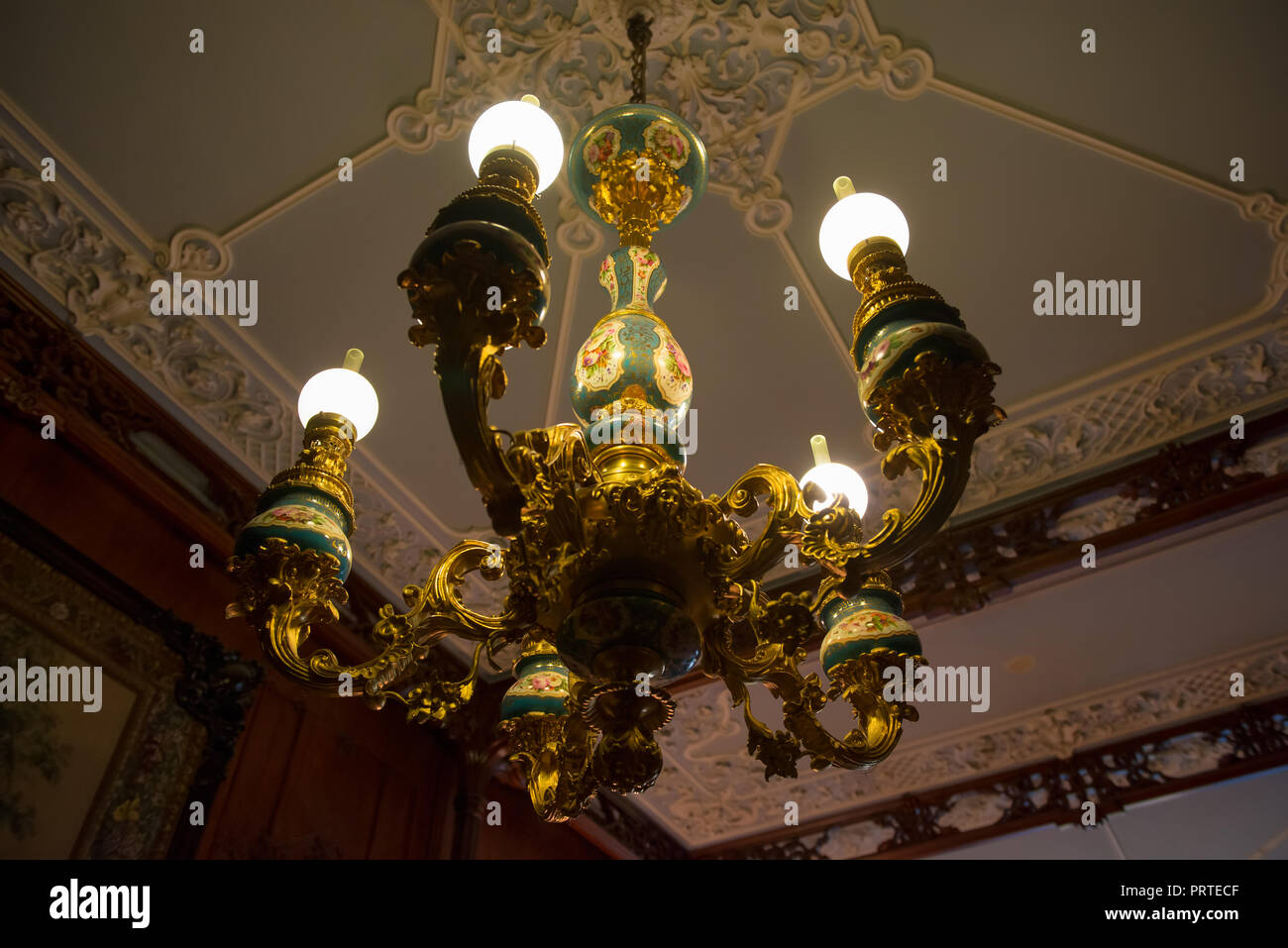 SAINT PETERSBURG, RUSSIA - AUGUST 22, 2017: Decorative chandelier with candlesticks. Interior of the Yusupov Palace on the Moika river embankment, 94. - Stock Image