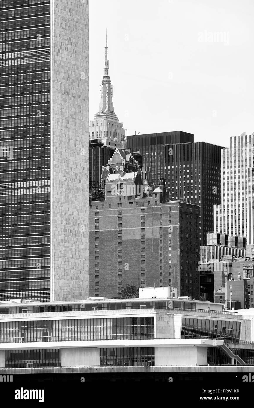Black and white picture of diverse architecture in New York City. - Stock Image