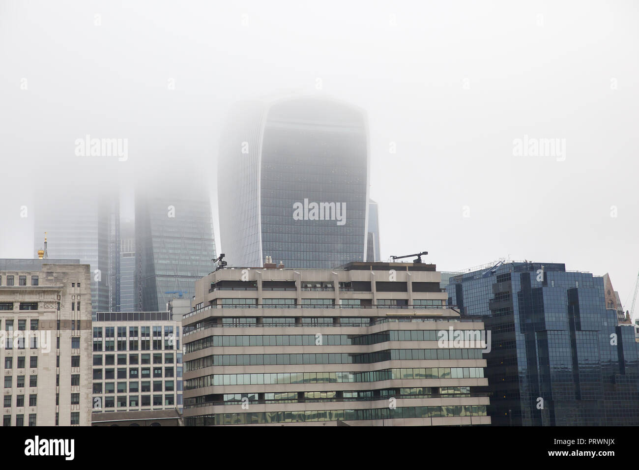 London,UK,4th October 2018,Foggy skyline in Central London ©Keith Larby/Alamy Live News Stock Photo