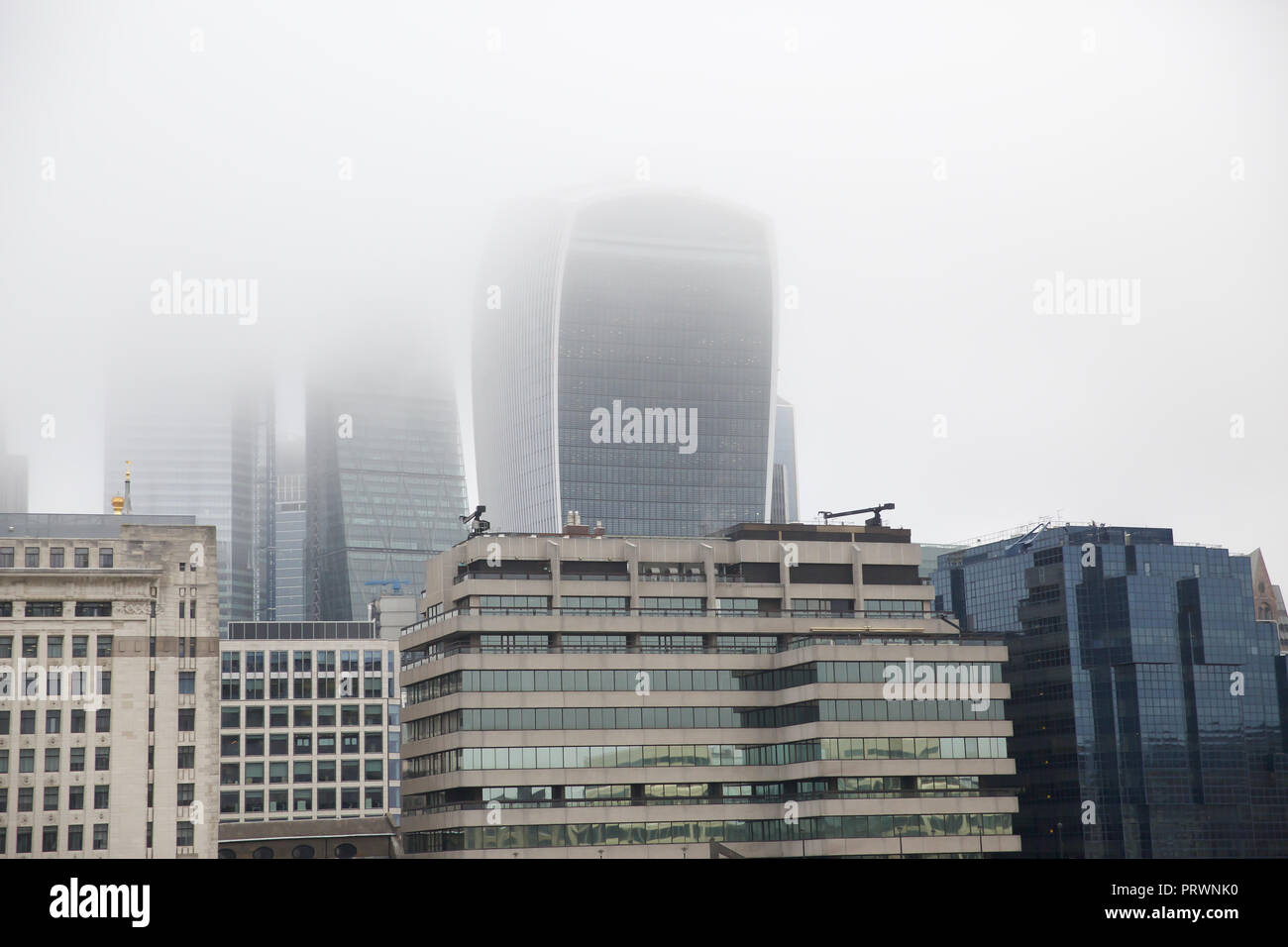 London,UK,4th October 2018,Foggy skyline in Central London ©Keith Larby/Alamy Live News - Stock Image
