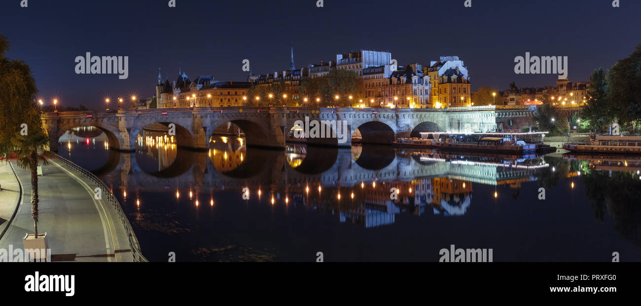 Night Ile de la Cite in Paris, France - Stock Image