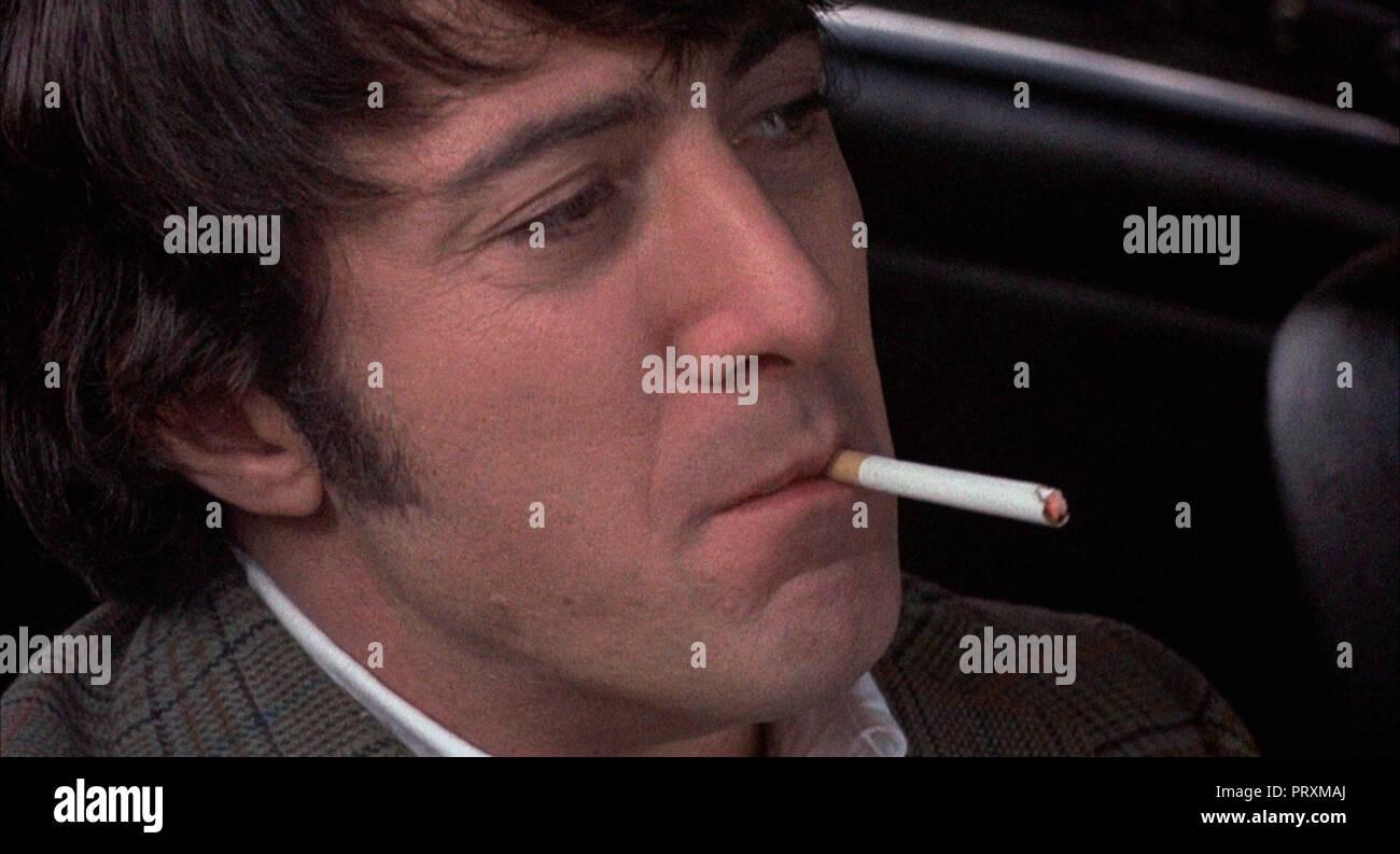 Prod DB © ABC Pictures - Amerbroco - Talent Associates / DR LES CHIENS DE PAILLE STRAW DOGS de Sam Peckinpah 1971 USA/GB Dustin Hoffman. fumer; smokin - Stock Image