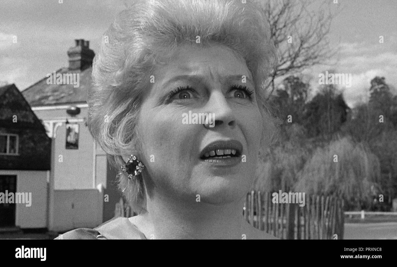Prod DB © Lippert Films / DR THE EARTH DIES SCREAMING de Terence Fisher 1964 GB Vanda Godsell. science fiction; sci-fi; - Stock Image