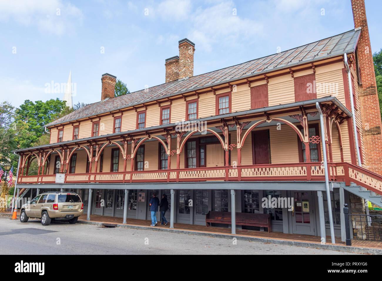 JONESBOROUGH, TN, USA-9/29/18: The historic Chester Inn, on Main Street. Stock Photo