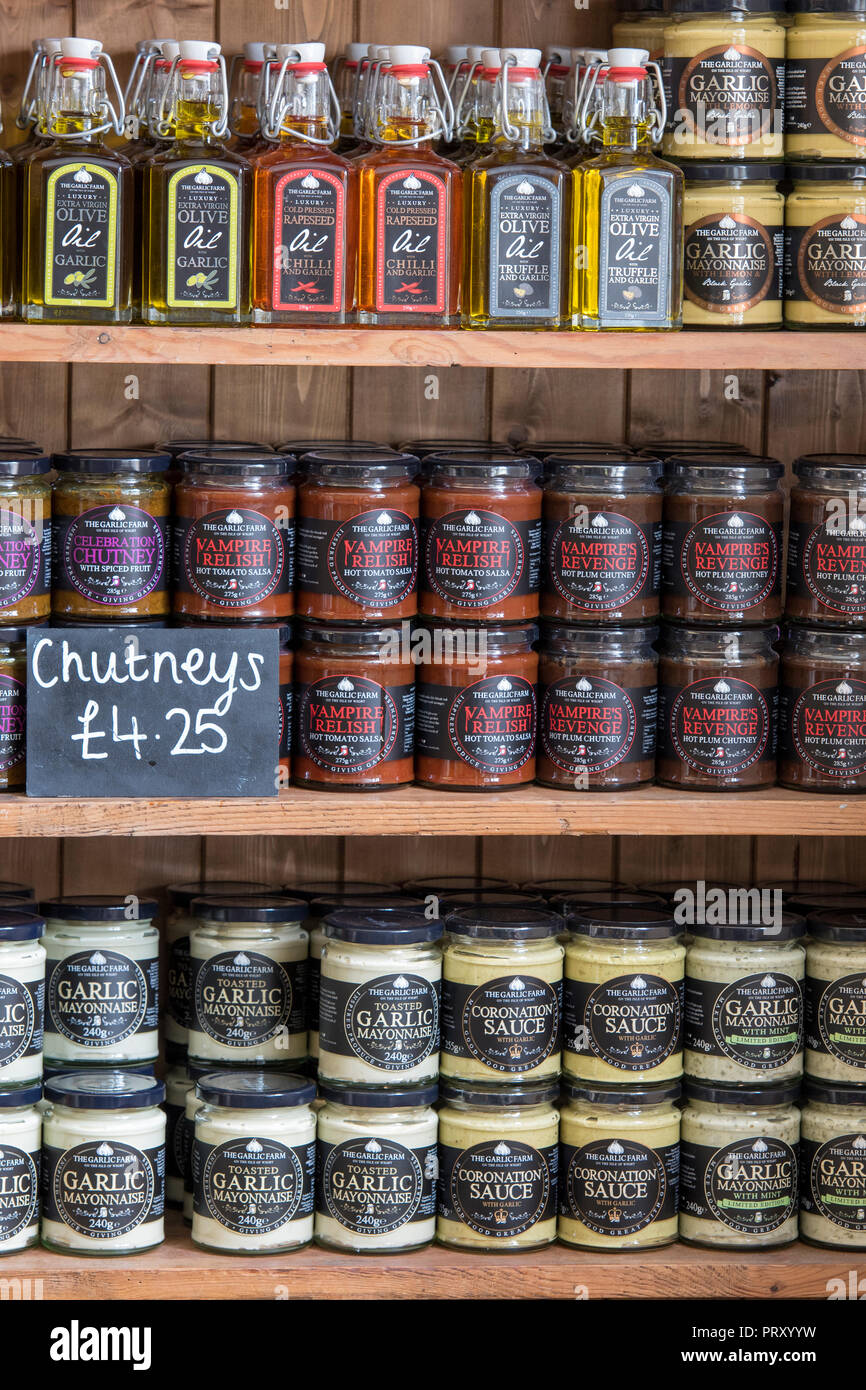 chutneys, spreads, pickles and jams on sale at the garlic farm on the isle of wight. - Stock Image
