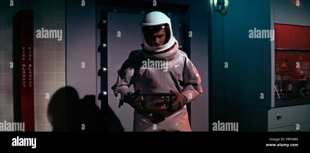 Prod DB © The Mirisch Corporation / DR STATION 3: ULTRA SECRET THE SATAN BUG  de John Sturges 1965 USA George Maharis. scaphandre; tenue anti-radiatio - Stock Image