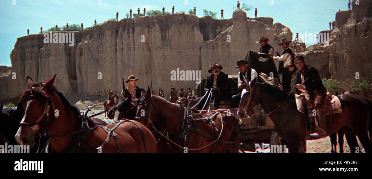 Prod DB © Warner Bros / DR LA HORDE SAUVAGE THE WILD BUNCH de Sam Peckinpah 1969 USA Ernest Borgnine Edmond O'Brien William Holden Ben Johnson Warren - Stock Image