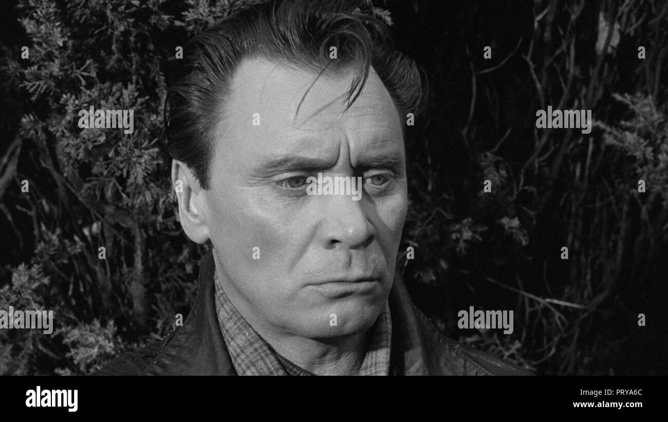 Prod DB © Metro-Goldwyn-Mayer British Studios / DR LE VILLAGE DES DAMNES VILLAGE OF THE DAMNED de Wolf Rilla 1960 GB Thomas Heathcote. fantastique; fa Stock Photo
