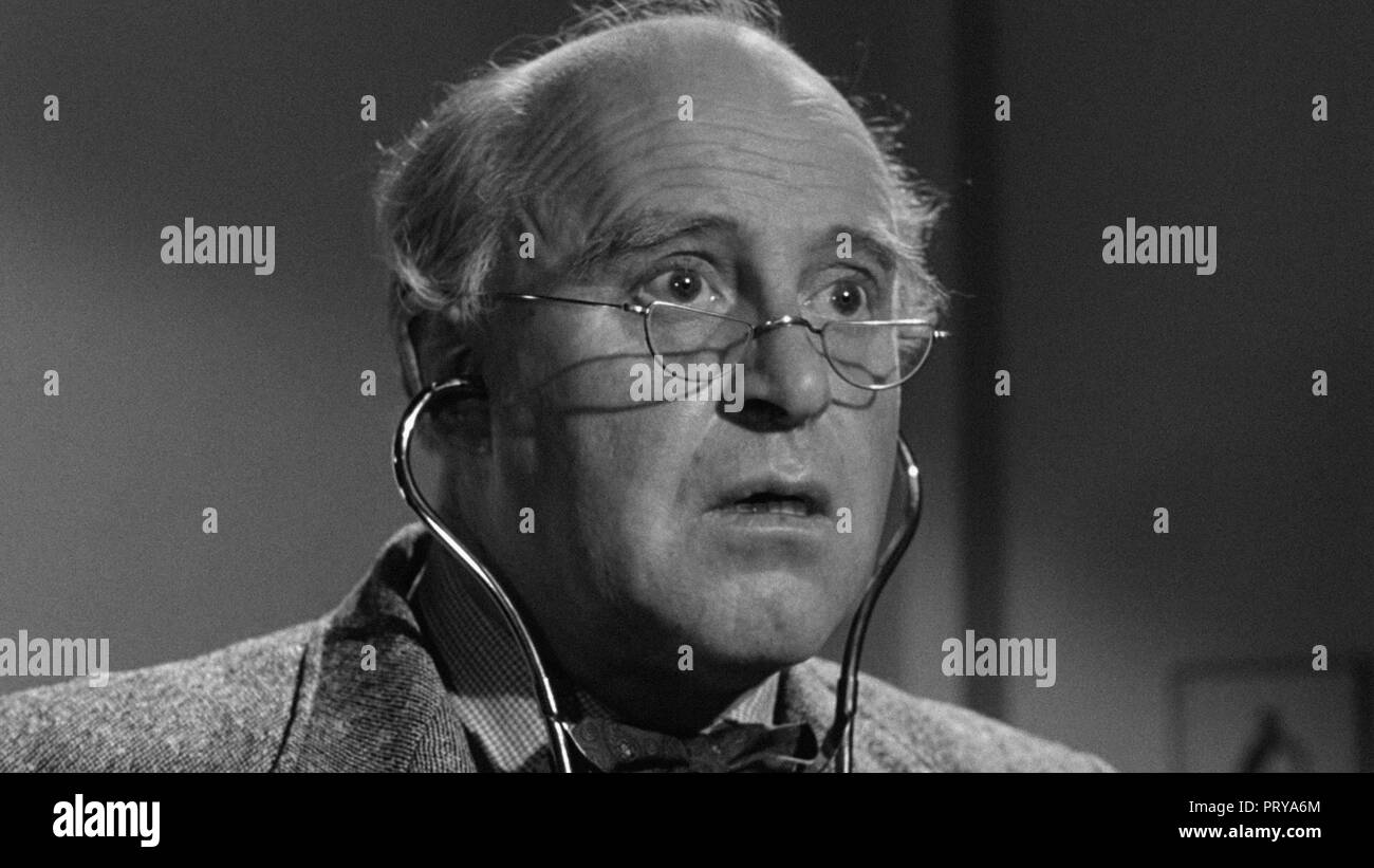 Prod DB © Metro-Goldwyn-Mayer British Studios / DR LE VILLAGE DES DAMNES VILLAGE OF THE DAMNED de Wolf Rilla 1960 GB Laurence Naismith. fantastique; f - Stock Image