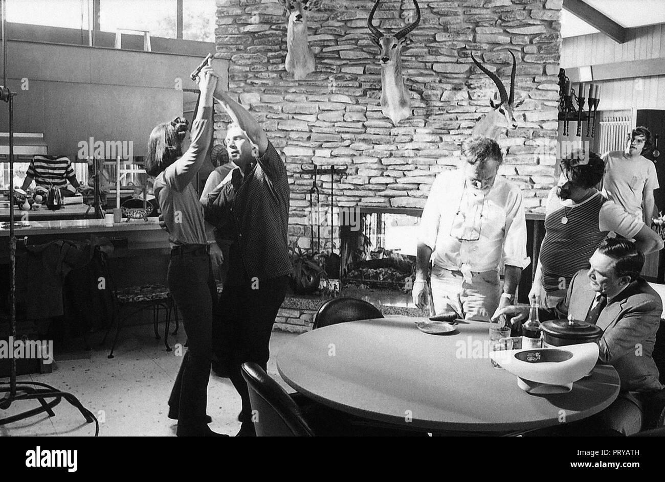 Prod DB © Solar Production / DR GUET-APENS THE GETAWAY de Sam Peckinpah 1972 USA Ali MacGraw Steve McQueen Sam Peckinpah Ben Johnson sur le tournage d - Stock Image