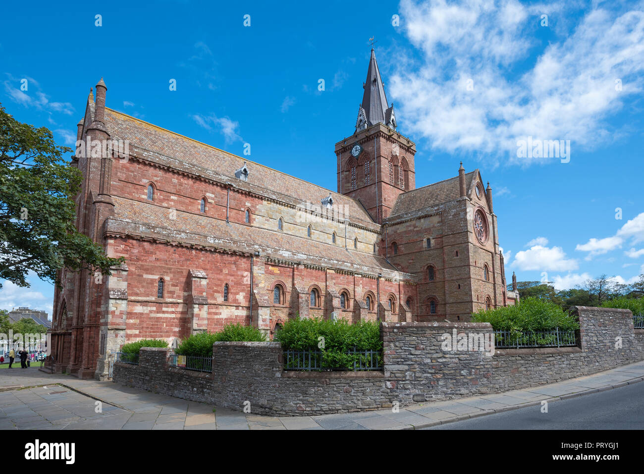Romanesque-Norman Cathedral St. Magnus, 12th century, Kirkwall, Mainland, Orkney Islands, Scotland, Great Britain - Stock Image