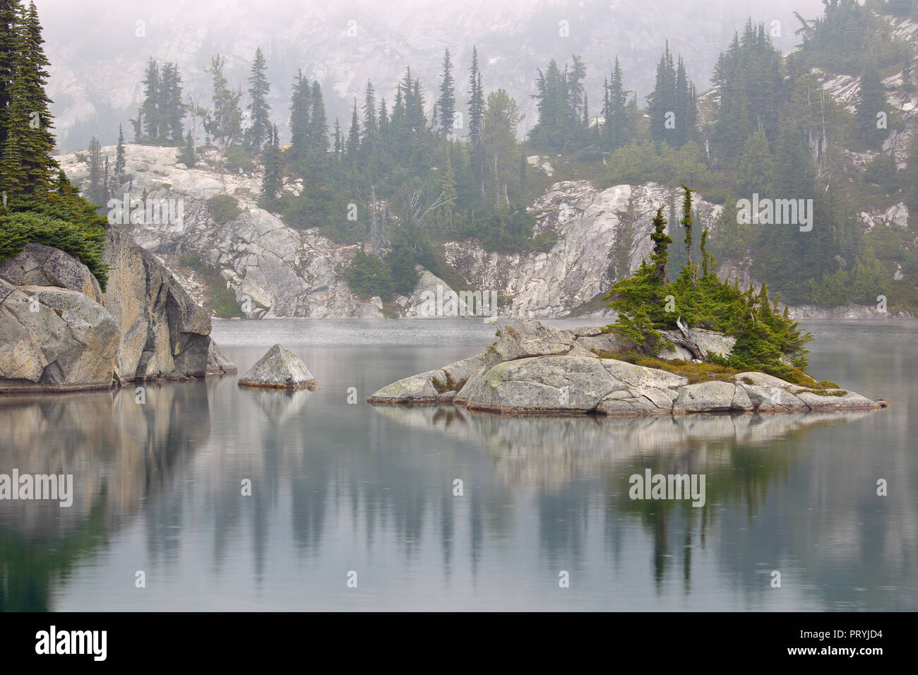Tuck Lake, Snoqualmie Region, Mount Baker Wilderness, Washington State - Stock Image