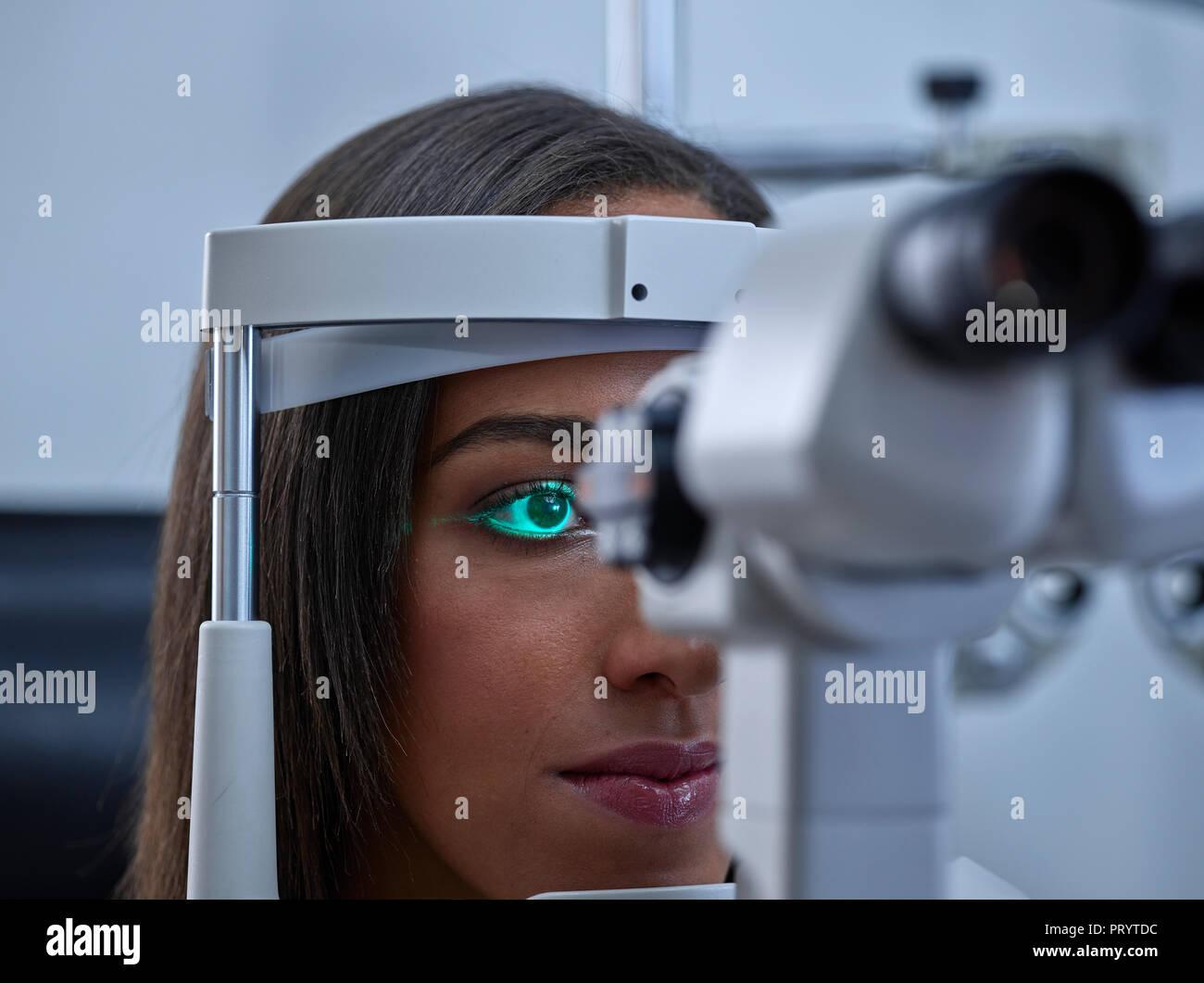 e7923b06e668 Optician
