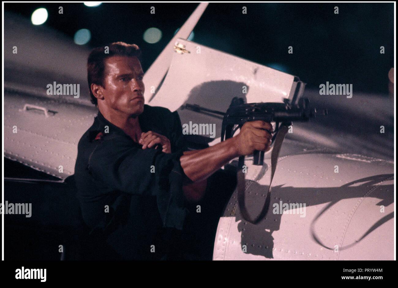 Arnold Schwarzenegger Commando Stock Photos & Arnold Schwarzenegger