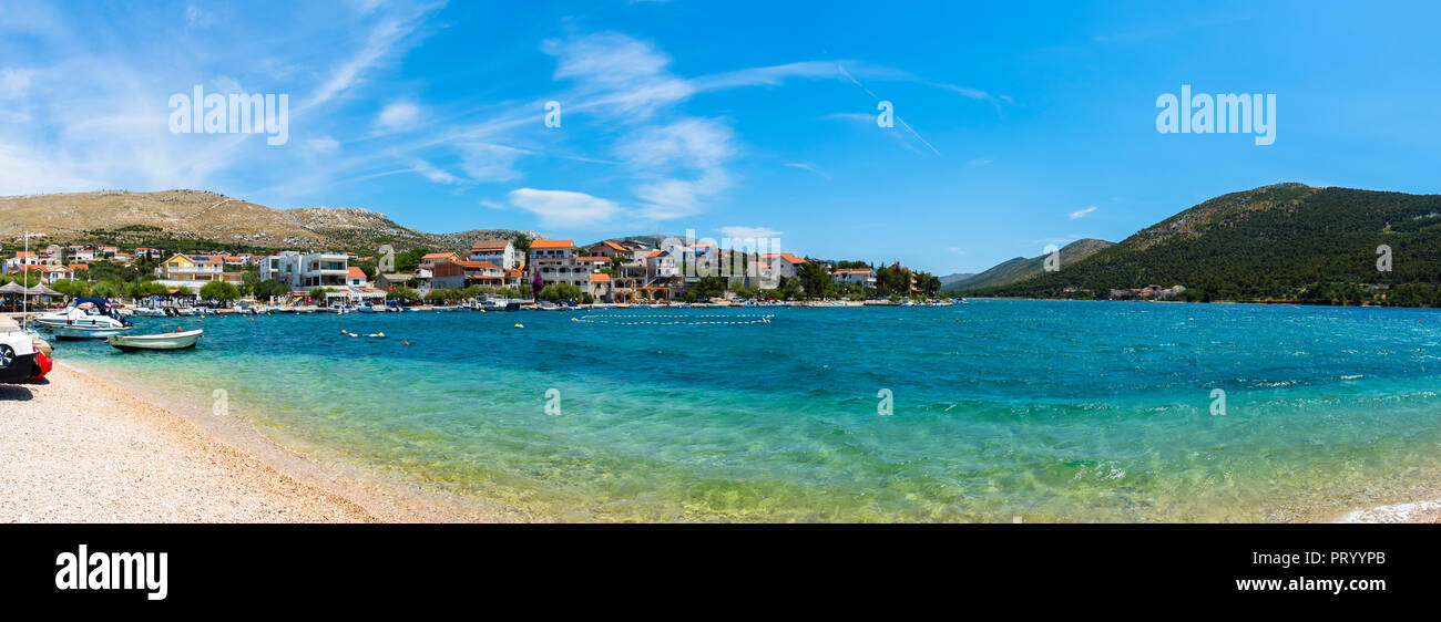 Kroatien, Adriaküste, Dalmatien, Region Split, Primošten, Blick auf die Halbinsel Grebaštica, - Stock Image