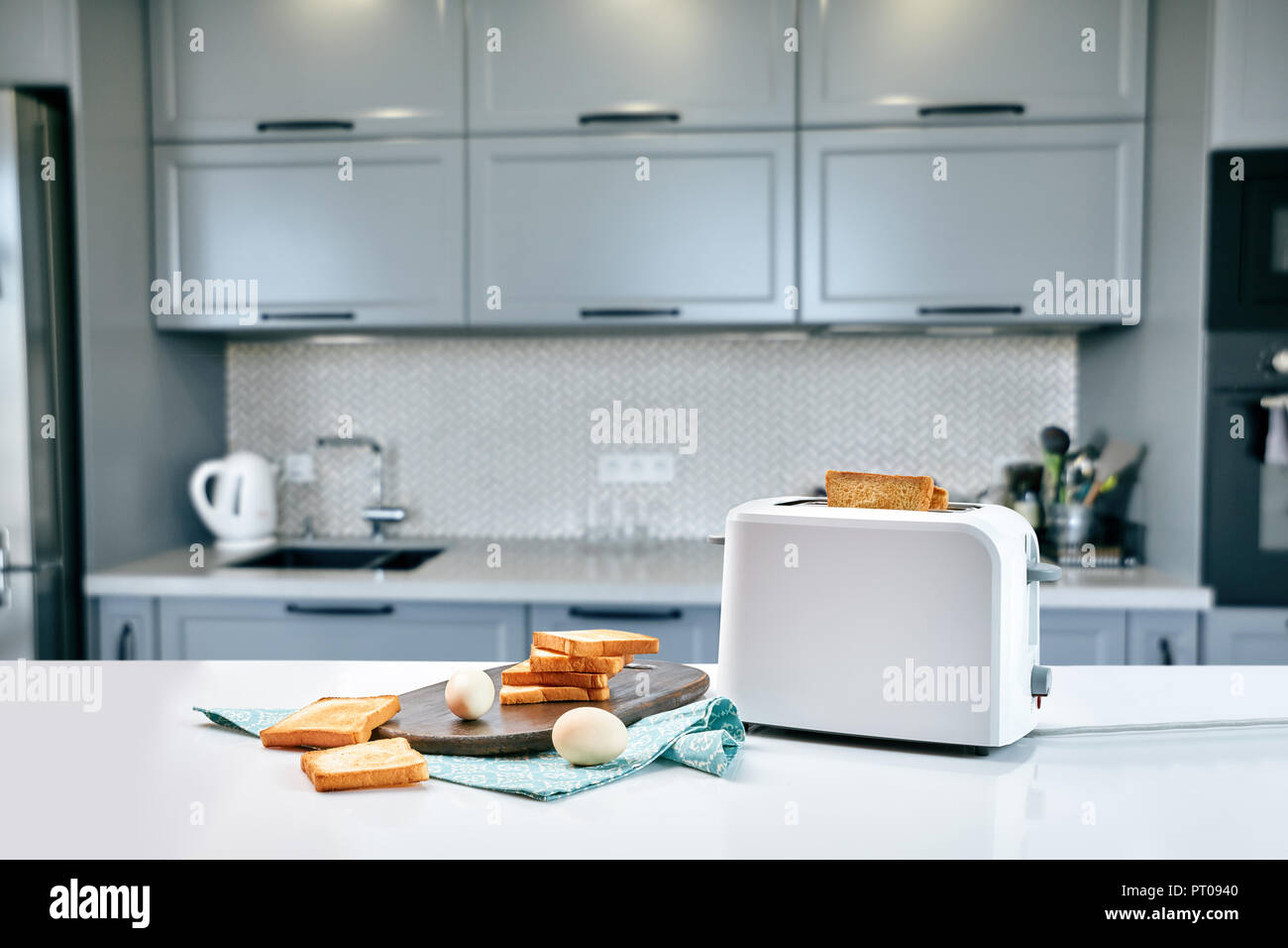 Bread In A Toaster Stock Photos & Bread In A Toaster Stock Images ...