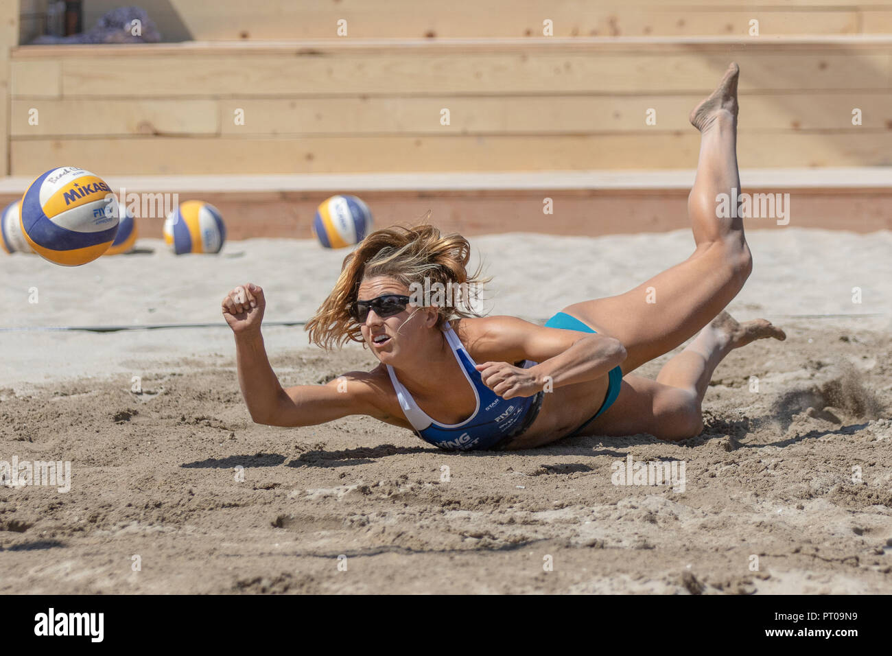 Katie Spieler (USA) digs the ball during the King of the Court. Photo: John Geldermann/Alamy Live News - Stock Image