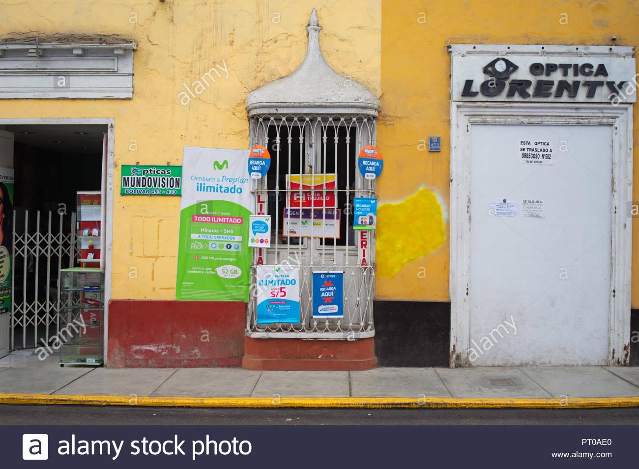 Small shop where they selv sim Card Trujillo Peru - Stock Image
