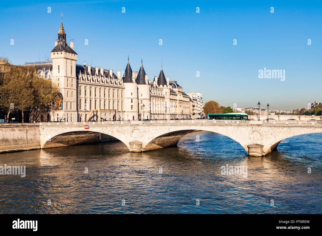 France, Paris, Palais de Justice and Pont au Change - Stock Image