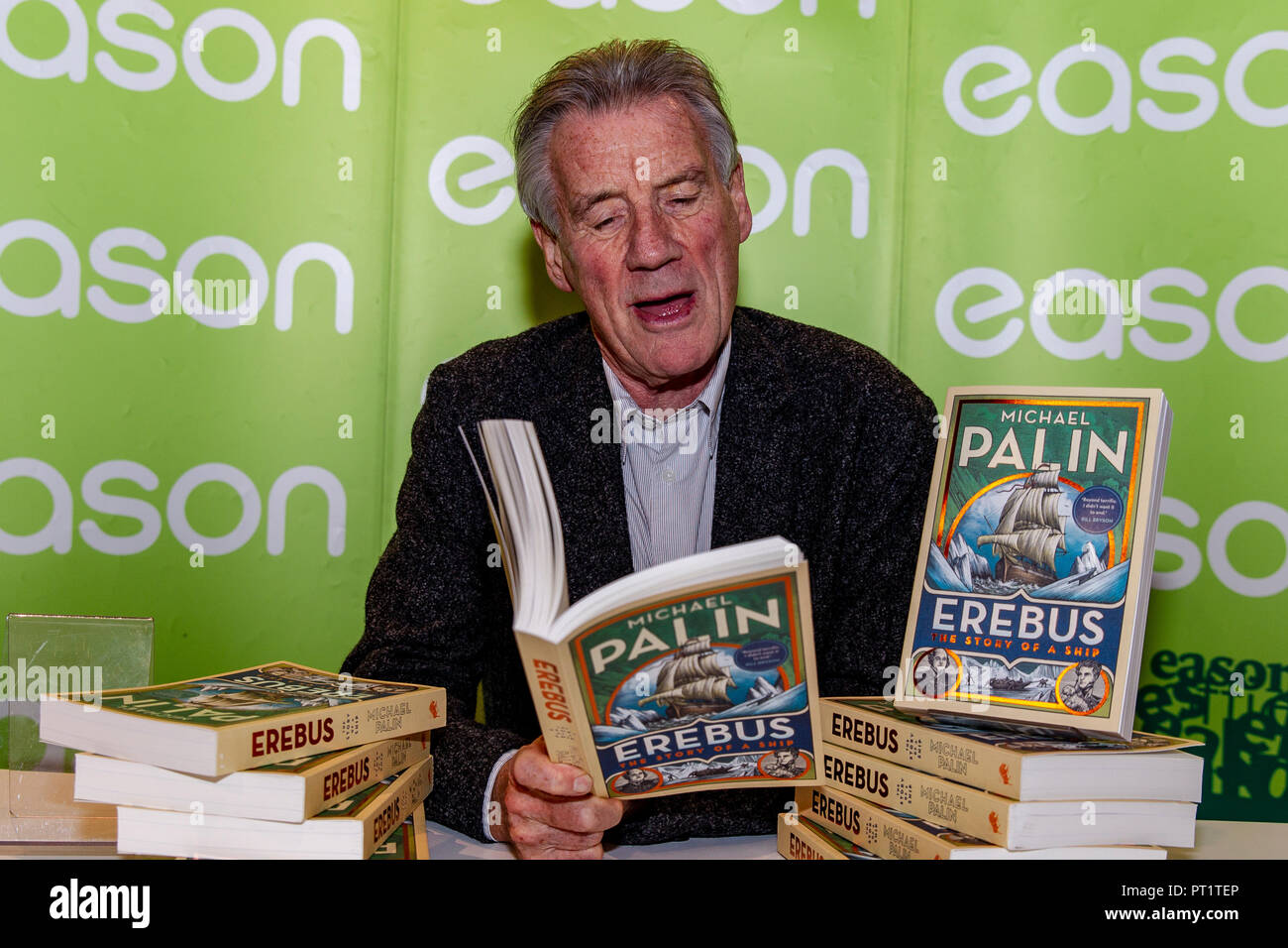 Page 3 Michael Palin Monty Python High Resolution Stock Photography And Images Alamy