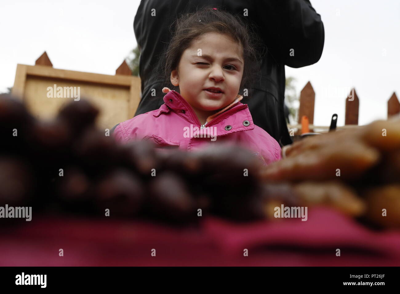 Moscow, Russia. 06th Oct, 2018. MOSCOW, RUSSIA - OCTOBER 6, 2018: Children at the annual 2018 Tbilisoba Festival of Georgian Culture at the Moscow Hermitage Garden. Artyom Geodakyan/TASS EDITORIAL USE ONLY; NO COMMERCIAL USE; NO ADVERTISING Credit: ITAR-TASS News Agency/Alamy Live News Stock Photo