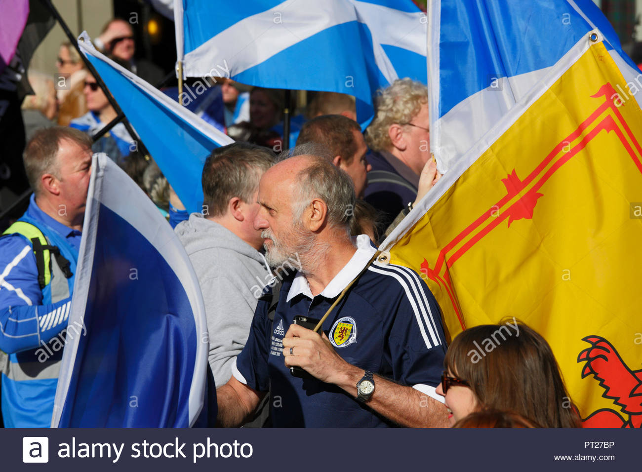 Edinburgh, United Kingdom. 6th October, 2018. All Under One Banner (AUOB) march For Independence, marching down the Royal Mile to the Scottish parliament for a rally in Holyrood Park. AUOB are a Pro-Independence organisation whose core aim is to march at regular intervals until Scotland is Free. They will host public processions in support of Scotland regaining Independence.    Credit: Craig Brown/Alamy Live News. - Stock Image