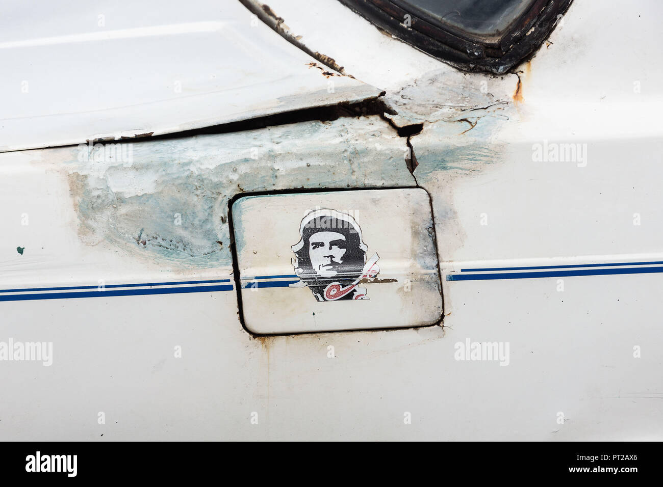 Cuba, rusty body with propaganda, Che Guevara - Stock Image