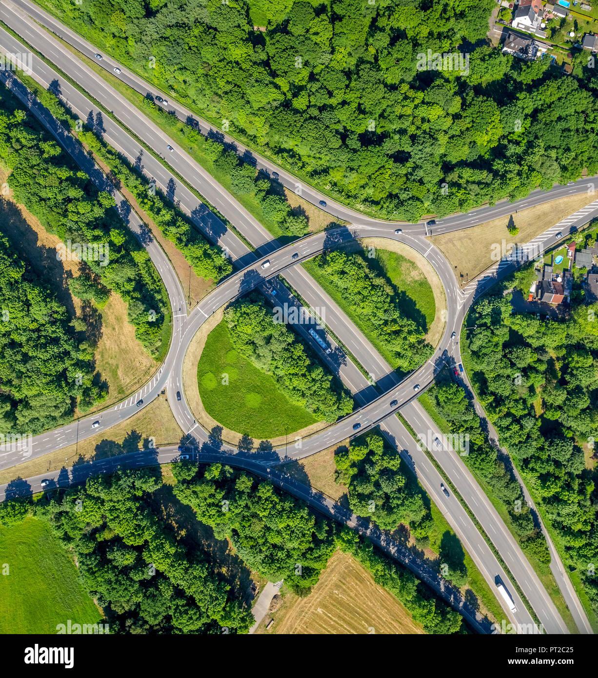 Motorway approach road motorway A52 and Bundesstraße 226 and Bundesstraße 224, roundabout, Gelsenkirchen, Buer, Ruhr area, North Rhine-Westphalia, Germany, Europe - Stock Image