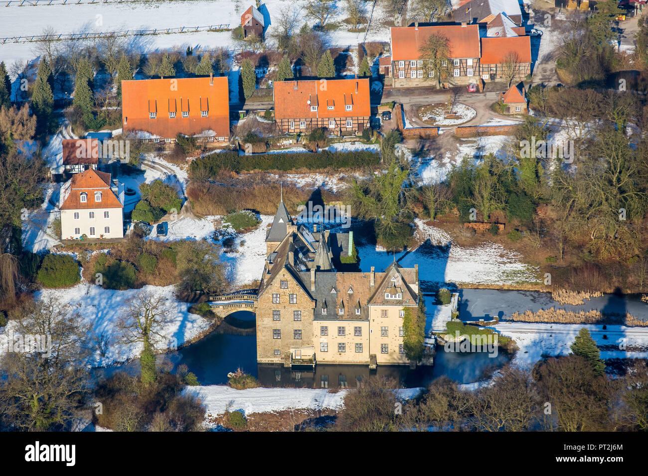 Castle Höllinghofen in winter, Arnsberg, Neheim-Hüsten, Sauerland, North Rhine-Westphalia, Germany Stock Photo