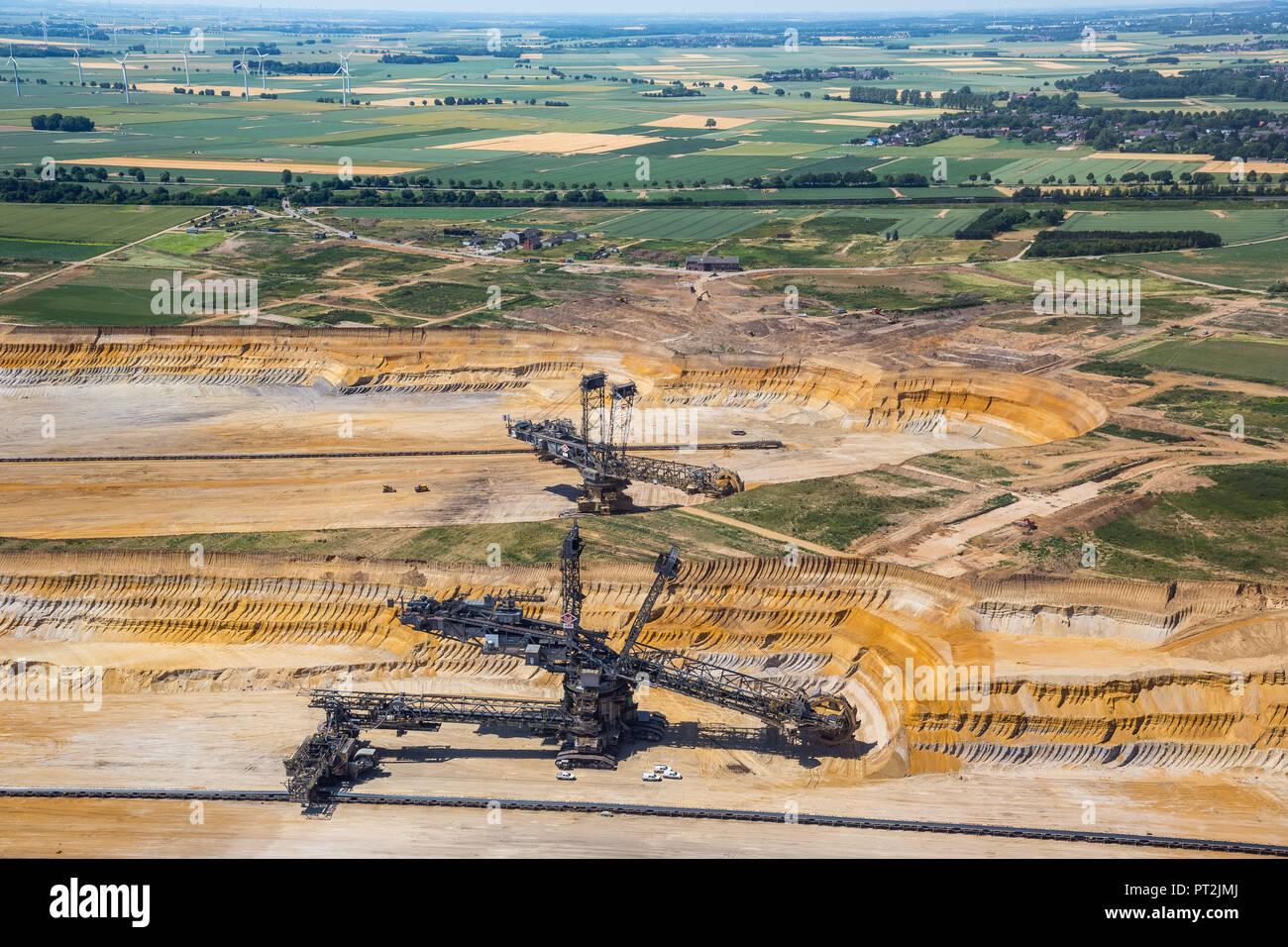 Brown coal excavator, brown coal mine Garzweiler, RWE power, Rhenish brown coal mining area, Borschemich, Jüchen, Lower Rhine, brown coal mining, brown coal area, North Rhine-Westphalia, Germany Stock Photo