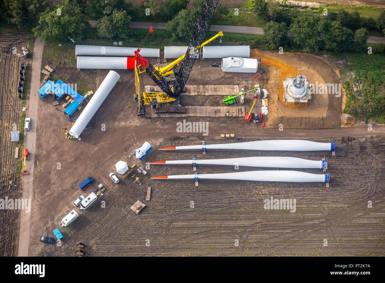 in Schermbeck on the city border to Dorsten arising wind power plants, alternative energy, renewable energy, wind turbine construction kit, Dorsten, Ruhr area, North Rhine-Westphalia, Germany - Stock Image