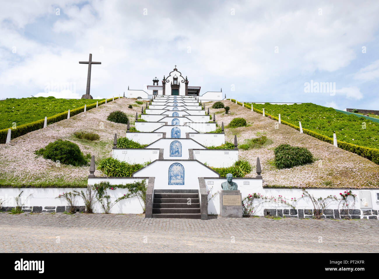 Stairway to the Vila Franca do Campo Votive Church, tile paintings adorning every gate - Stock Image