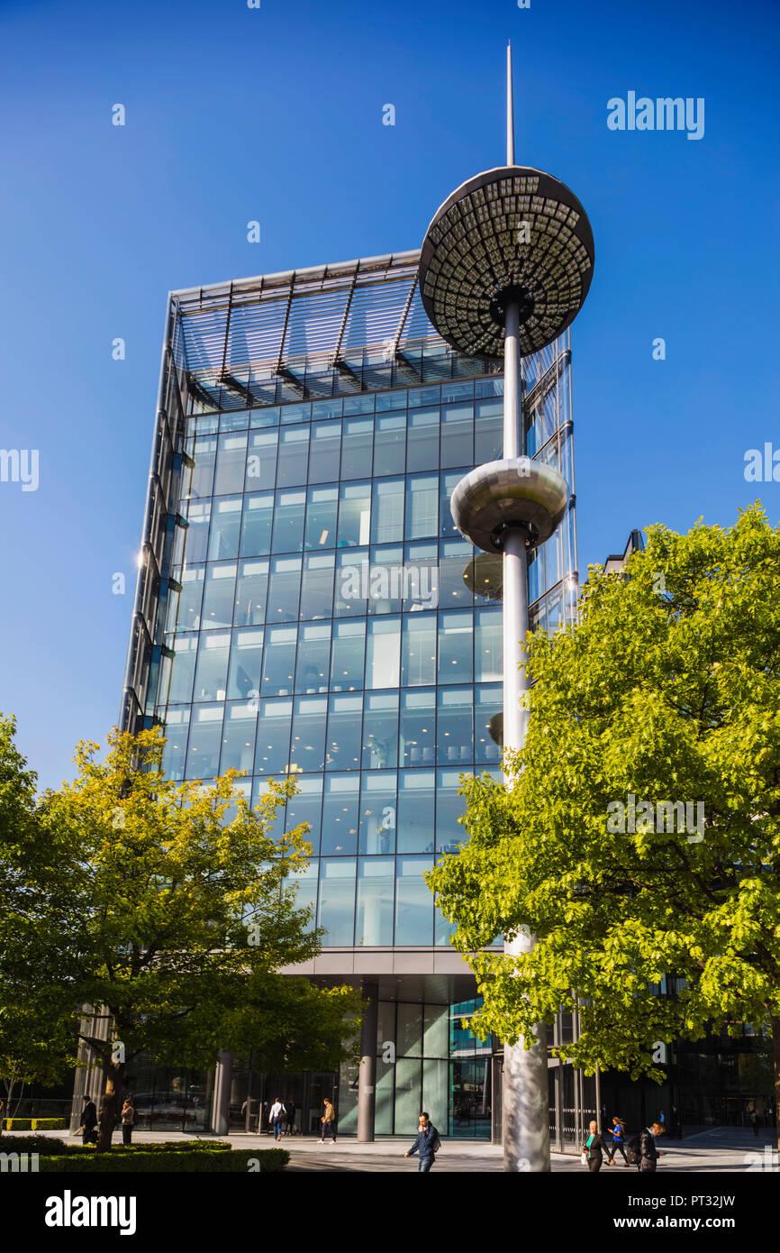 England, London, Southwark, London Bridge City, 4 More London Riverside Building and Light Tower - Stock Image
