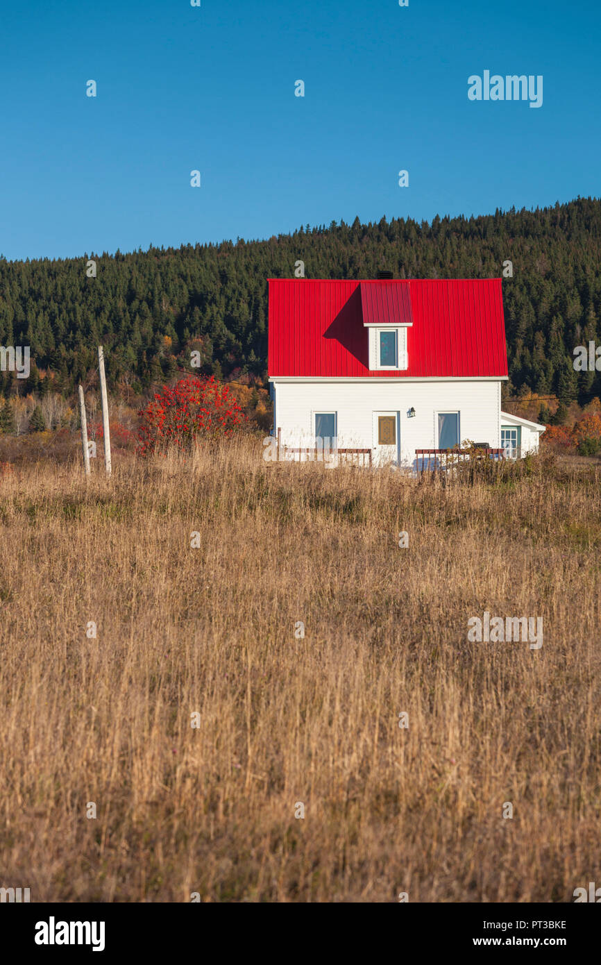 Canada, Quebec, Gaspe Peninsula, Weygand, farmhouse, autumn - Stock Image