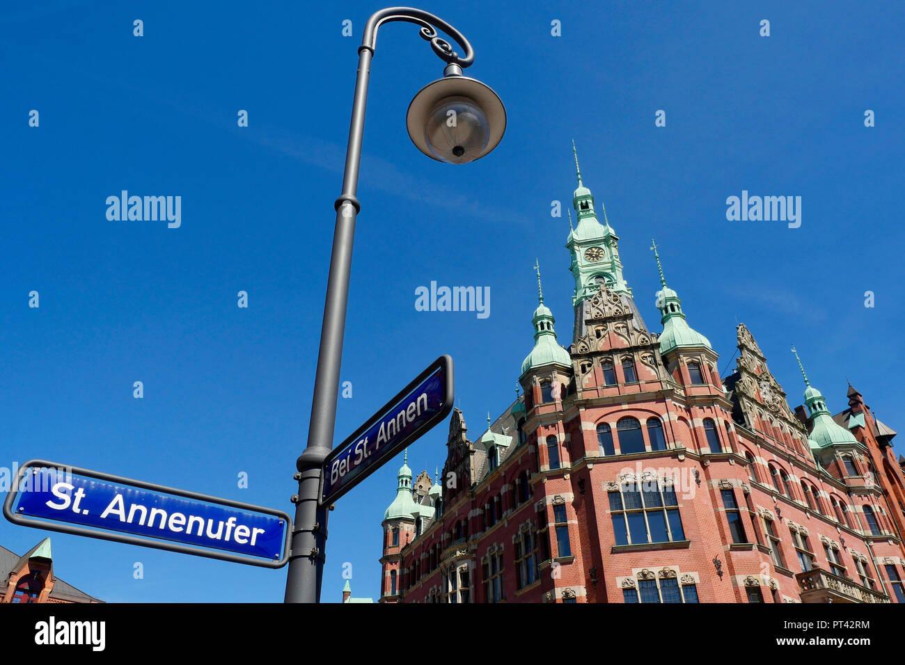 HHLA Hamburger Hafen Logistics Headquarters, near Saint Annen, warehouse district, Hamburg, Germany - Stock Image