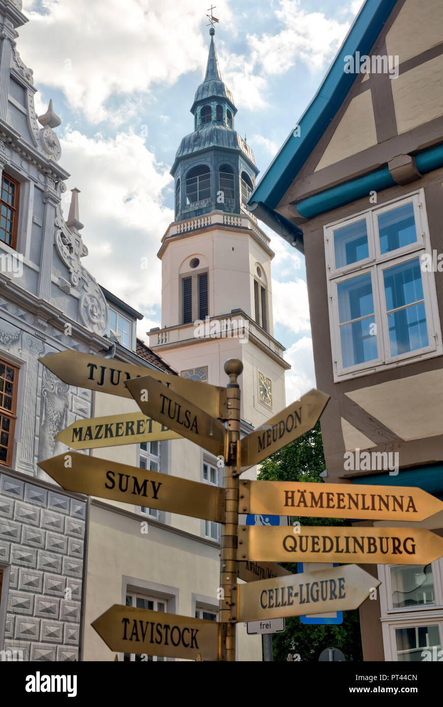 Signpost of Twin Cities, House View, Facade, half-timber, Old Town, Celle, Lower Saxony, Germany, Europe - Stock Image