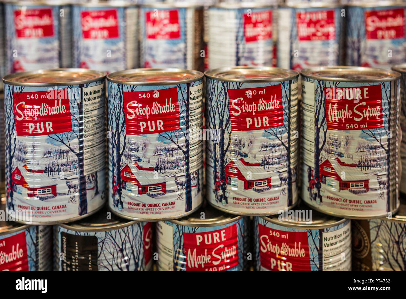 Canada, Quebec, Montreal, Little Italy, Marche Jean Talon market, autumn,  cans of local maple syrup - Stock Image