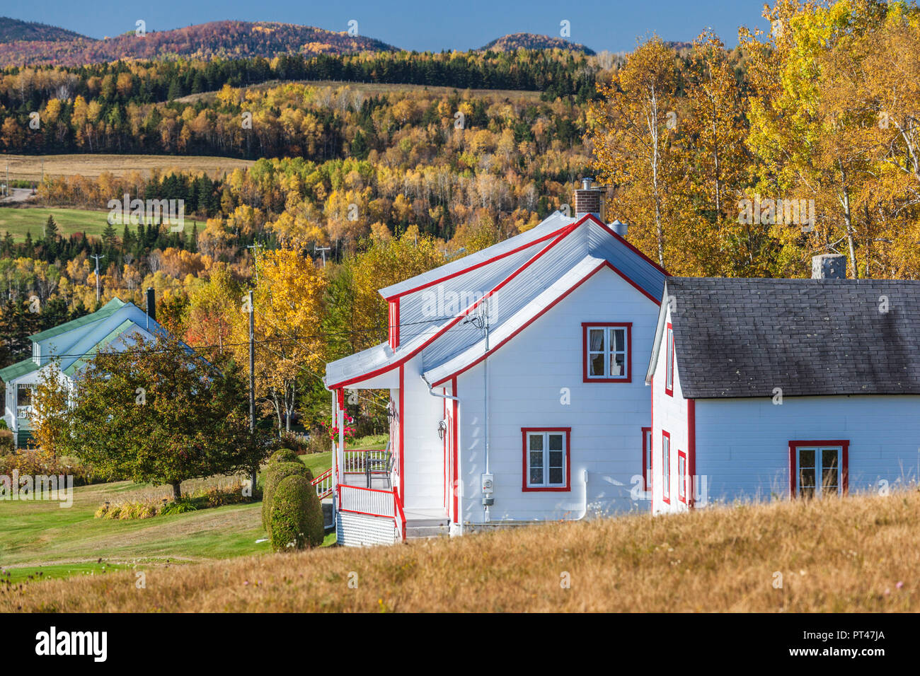 Canada, Quebec , Capitale-Nationale Region, Charlevoix, Sainte Irenee, farmhouse, autumn - Stock Image