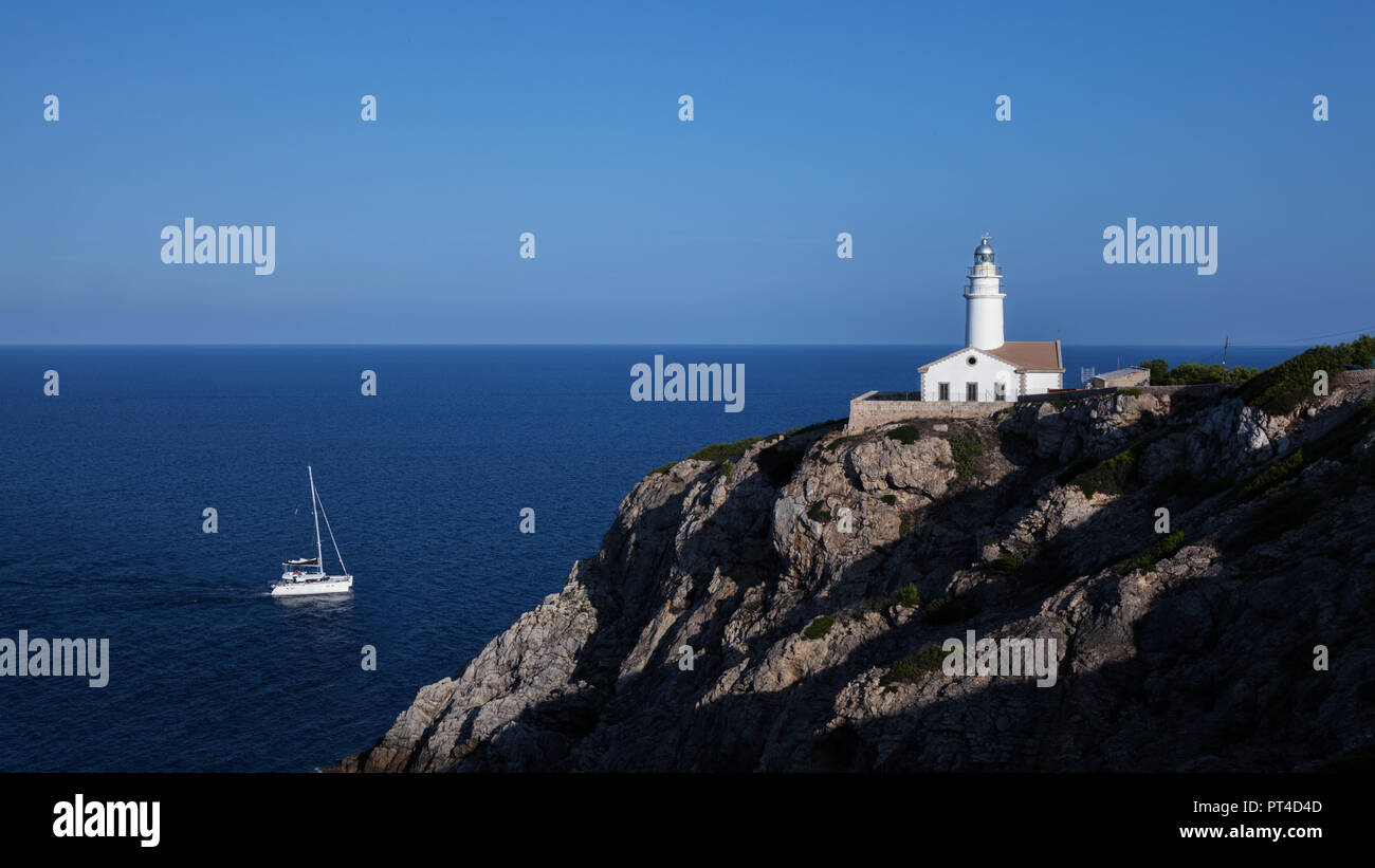 Leuchtturm von Capdepera in Cala Ratjada, Mallorca, Balearen, Spanien, Europa - Stock Image