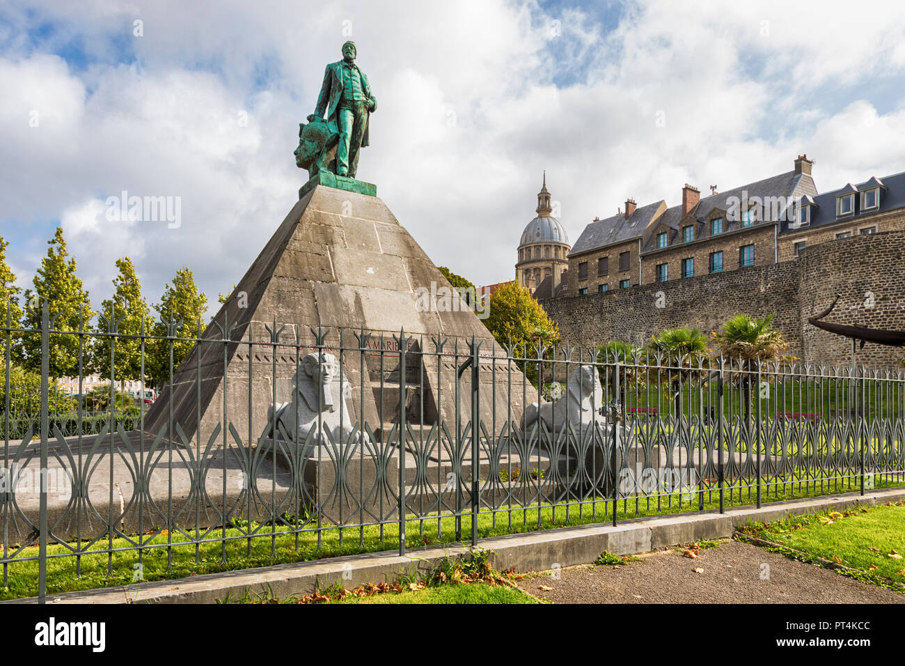 Bronze statue of archaeologist and egyptologist Auguste Mariette on pyramid at Boulogne-sur-Mer, France - Stock Image