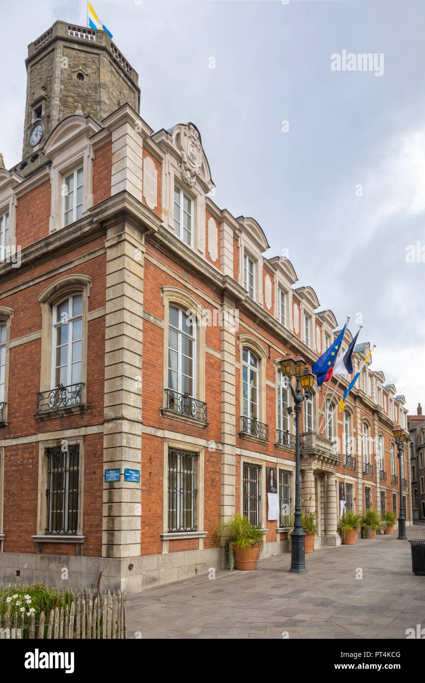 18th century Town hall inside the fortified city of Boulogne-sur-Mer - Stock Image