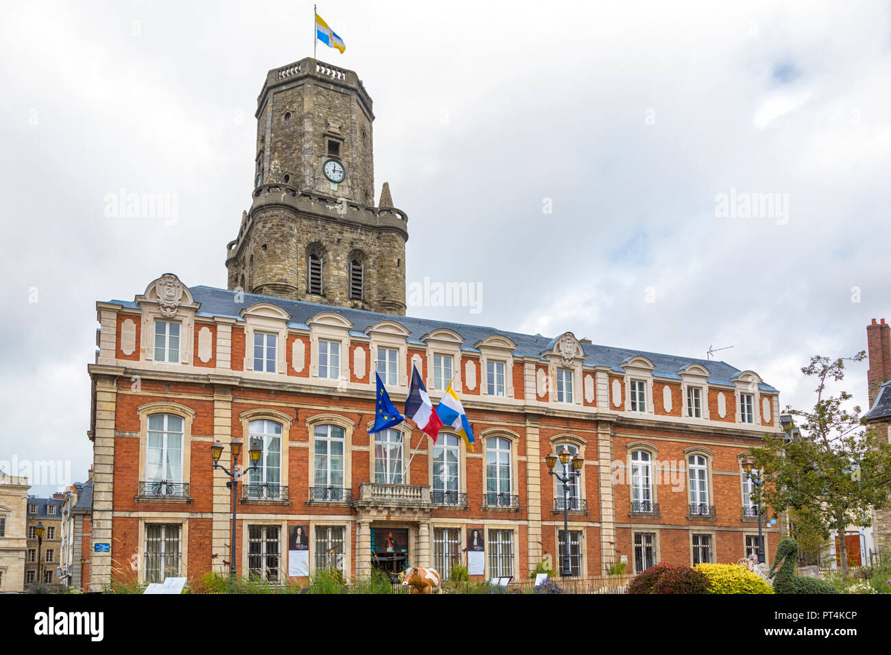 18th century Town hall and medieval bellfry of Boulogne-sur-Mer, France - Stock Image
