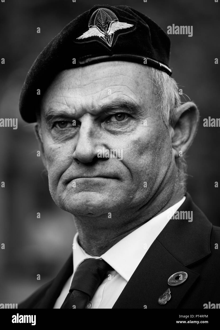 South African war veteran wearing his beret at the Remembrance Day Parade, London - Stock Image