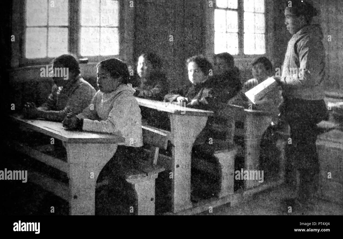 EDUCATION - A newspaper photograph of schoolchildren in school in Greenland, circa 1940's - Stock Image
